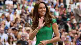 This Is Why Duchess Kate Can Never Wear Coloured Nail Polish royal family Queen Elizabeth news fashion style 2021