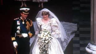 Princess Diana wedding shoes Prince Charles day 1981 royal wedding love