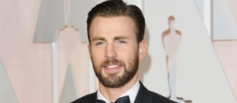 """Chris Evans Reveals How Marvel Co-Stars Helped Him Overcome Anxiety About """"Captain America"""" Role"""