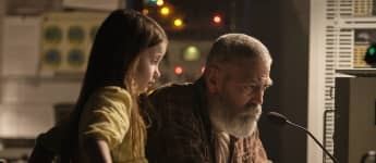 George Clooney en una escena de la película 'The Midnight Sky'