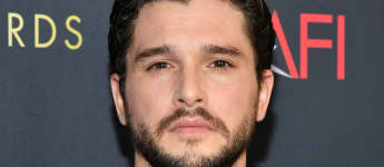 """Kit Harington Recalls His Childhood, Says His Mother Allowed Him To Grow Up In """"A Gender Fluid Environment"""""""