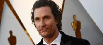 """Matthew McConaughey Says Sexual Tension Between Jennifer Aniston And Brad Pitt During 'Fast Times' Read Was """"Palpable"""""""