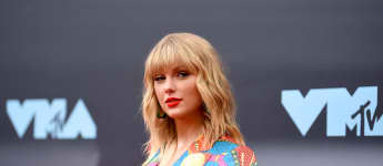 Taylor Swift Fans Celebrate The Singer Now Free To Re-Record All Of Her 5 Previous Albums