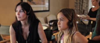 """Courteney Cox And Her Daughter Coco Perform """"Cardigan"""" Together"""