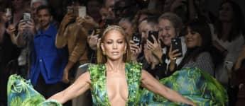 Jennifer López en la Fashion Week 2020