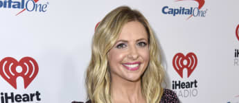"""Sarah Michelle Gellar Rewears 'Buffy The Vampire Slayer' Prom Dress: """"All Dressed Up And No Where To Go"""""""