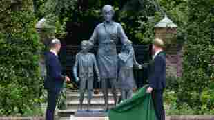Royal Fans Find Photo That Likely Inspired Princess Diana Statue unveiling portrait Christmas card 1993 William Harry 2021 event pictures