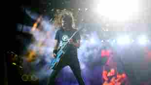 Facts You Didn't Know About Foo Fighters trivia music songs history members Dave Grohl Celebrity Corner with Sarah ALLVIPP video 2021