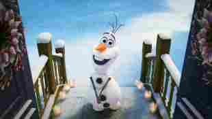 'Frozen': Olaf (Josh Gad) and Disney Are Sharing A New 'At Home With Olaf' Series Of Short Films - Watch The First One Here!