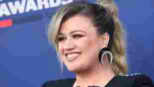 """Kelly Clarkson Is Opening Up About Her Divorce, Says """"It Is The Worst"""" And That It's """"Horribly Sad"""""""
