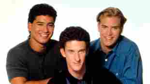 """Dustin Diamond's 'Saved By The Bell' Co-Stars Mourn """"Screech's"""" Death"""