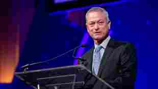 Gary Sinise sent 1700 loved ones of fallen soldiers to Disney World.