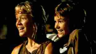 Ariana Richards y Joseph Mazzello en una escena de la película 'Jurassic Park'