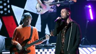 Adam Levine y Mickey Madden