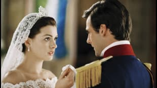 """Anne Hathaway in """"The Princess Diaries 2: Royal Engagement"""""""