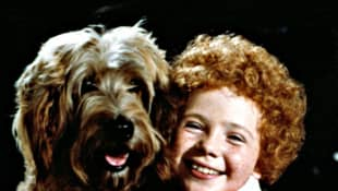 """Sandy"" and Aileen Quinn in Annie"