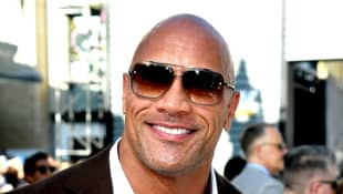 """Dwayne Johnson Jokes With Justin Bieber, Says He """"Fully Expects"""" He'll Be A Dad Soon"""