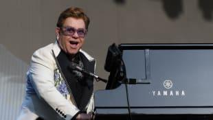 Rocketman Oscar Winner Elton John Forced To End Concert In New Zealand Due To Pneumonia
