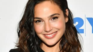 """Gal Gadot Sings John Lennon's """"Imagine"""" With Other Stars In Instagram Video - Watch Here"""