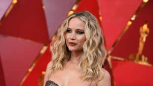 """Jennifer Lawrence Joins Twitter To Advocate For Breonna Taylor: """"I Cannot Be Silent"""""""