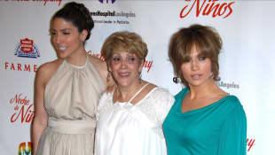 Linda Lopez, Guadalupe Rodriguez y Jennifer Lopez