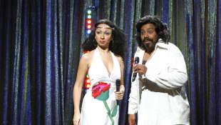 Maya Rudolph and Kenan Thompson