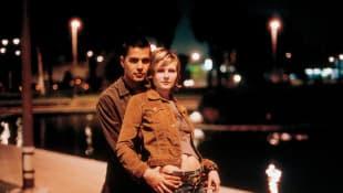 Kirsten Dunst and Jay Hernandez