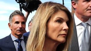 Lori Loughlin Serving 2-Month Prison Sentence In Dublin California husband Mossimo Giannulli Felicity Huffman 2020