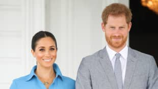 Meghan Markle & Prince Harry Release Stunning New Portrait Announcing Pregnancy photo picture 2021