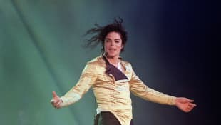 Celebrity Corner With Sarah: 5 Facts You Didn't Know About Michael Jackson music songs trivia unknown fans 2021