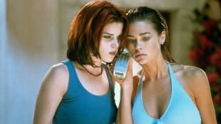 """Neve Campbell and Denise Richards in """"Wild Things"""""""