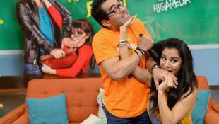 Omar Chaparro y Martha Higareda
