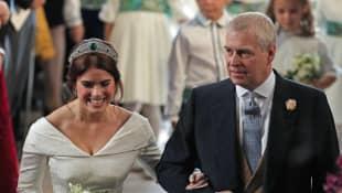 El príncipe Andrew y la princesa Eugenia