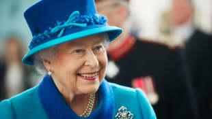 Queen Elizabeth On Getting COVID-19 Vaccine: Interview