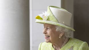 Queen Elizabeth II Opens Buckingham Palace Gardens For Picnics In 2021 royal family residences reopening tours dates spring summer