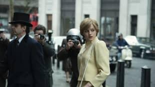 'The Crown' Emma Corrin Princess Diana Wedding Dress actress photos preview trailer
