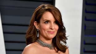 "Tina Fey's Daughter Interrupts Her Seth Meyers Interview, And Calls Her Mom A ""Loser"""