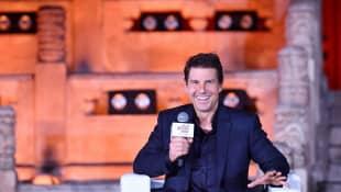 Mira a Tom Cruise saltar al vacío en motocicleta para 'Misión Imposible 7'