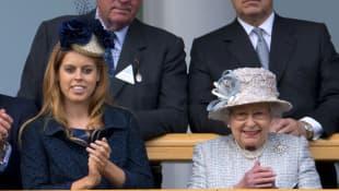 Lo que dijo la reina sobre la boda de la princesa Beatriz en la ceremonia de caballería