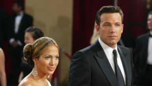 Why Did Jennifer Lopez And Ben Affleck Break Up? first relationship reunion 2021 Bennifer end interviews tabloids wedding engaged