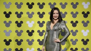 Ariadne Díaz durante la alfombra del 90 Aniversario del raton Mickey Mouse