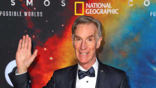 """Bill Nye Shares How Wearing A Face Mask Can Help Stop Coronavirus: """"This Is Literally A Matter Of Life Or Death"""""""