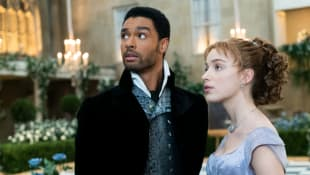 Regé-Jean Page and Phoebe Dynevor in a scene from the series 'Bridgerton'