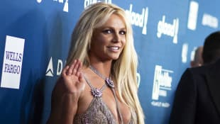 Britney Spears Shares Short Hair Selfies On Instagram