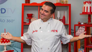 """Buddy Valastro Surprises Doctors With """"Super Special"""" Cake"""