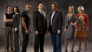 Matthew Gray Gubler, Paget Brewster, Shemar Moore, Thomas Gibson, Joe Mantegna, Aj Cook and Kirsten Vangsness in a promotional image for the series 'Criminal Minds'