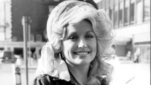 Dolly Parton in 1977