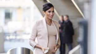 Duchess Meghan visits the National Theatre