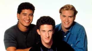 "Dustin Diamond's 'Saved By The Bell' Co-Stars Mourn ""Screech's"" Death"