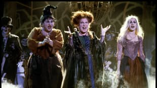 Kathy Najimy, Bette Midler and Sarah Jessica Parker in the 1993 film Hocus Pocus.